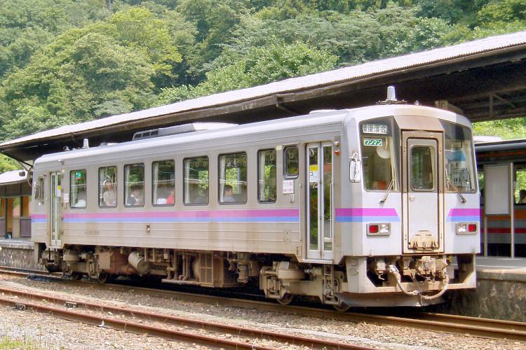 キハ120 323