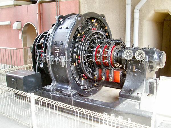 回転変流機JR西日本交通科学博物館展示