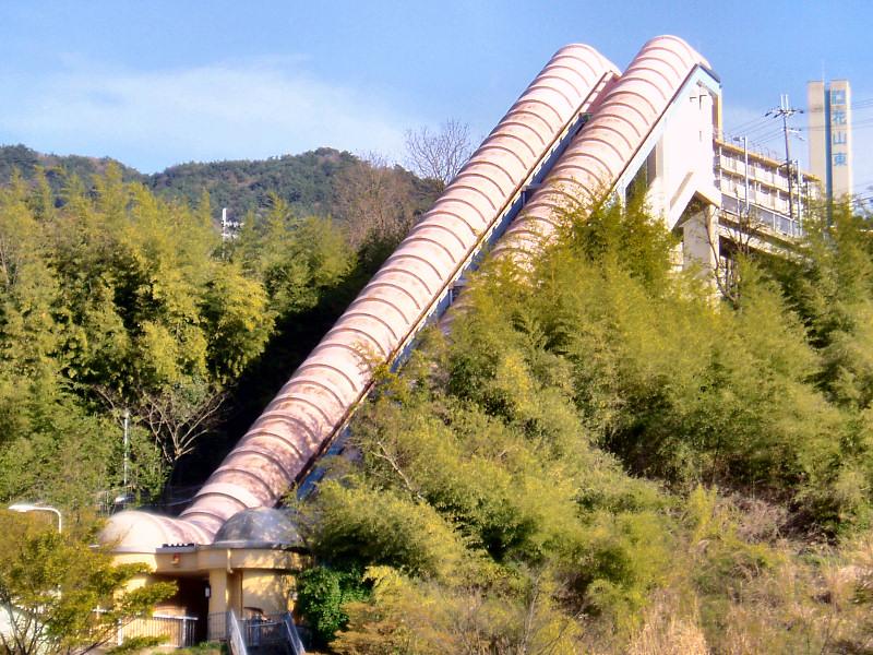 花山東団地斜行エレベーター