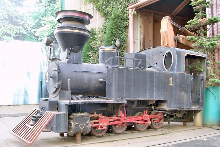 ナローD型蒸気機関車(保存車両)
