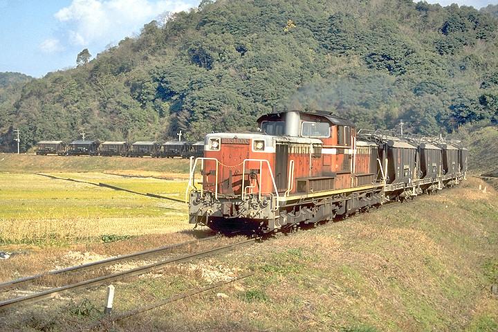 DD51+ホキ6700